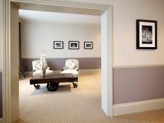 Banjo Jersey Ernest Hotel Room
